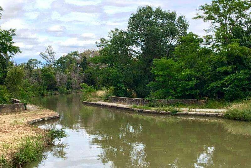 Canal nás dnes zavedl i na midt